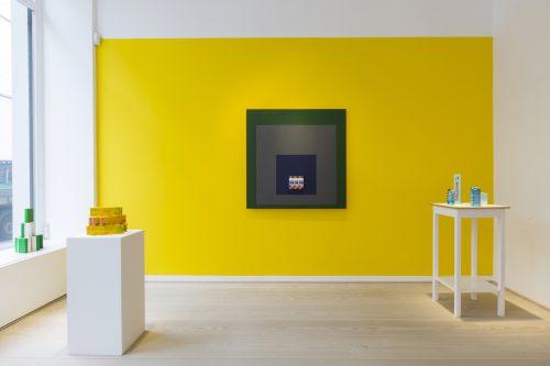 Stephanie Senge, Installation view 'Konstruktivistischer Supermarkt' at Galerie Anita Beckers, 2017