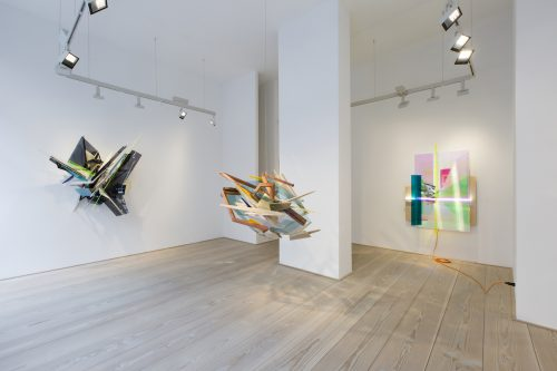Sebastian Kuhn, Installation view 'Bespoke' at Galerie Anita Beckers, 2017